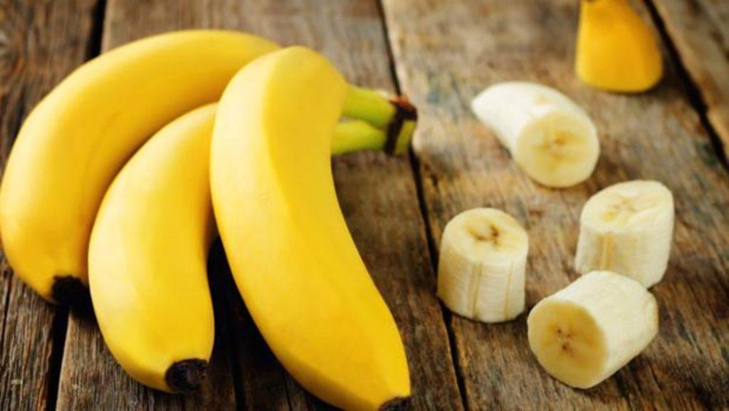 Tratamiento para niñas con banana, aceite y yema de huevo
